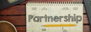 動画広告事業のワトソンと資本業務提携